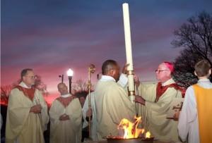 ¿Debe proclamar el diácono el Pregón Pascual?