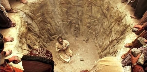 bible-videos-stephen-death-1426820-gallery