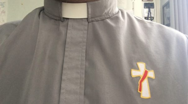 Clerical-shirt-with-deacon-cross-672x372