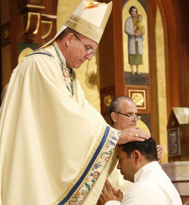 CNS-Deacon ordain c