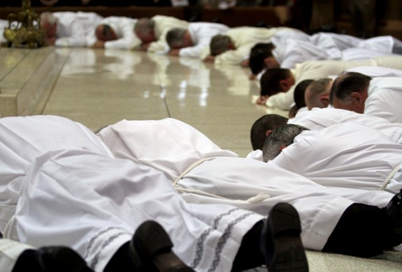 deacons-prostrate-575x390