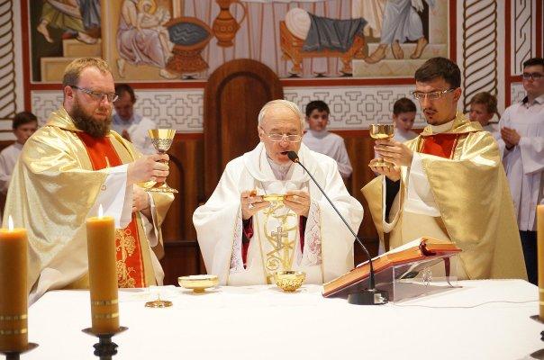 catholic_church_in_gomel_holy_mass